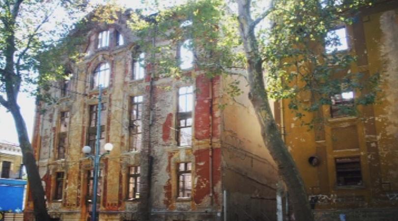 Конструктори ще влязат в опожарените тютюневи складове в Пловдив