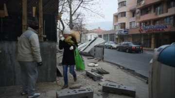 Не стихва ураганният вятър в област Сливен