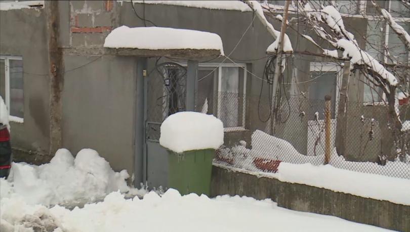 8-годишно момиче почина при обгазяване на семейството му, родителите и