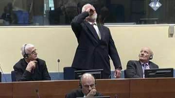 Подсъдим в Хага глътна отрова по време за заседанието