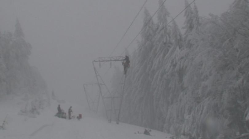 В Словакия 15 000 семейства останаха без ток заради падналия