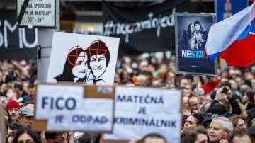 Хиляди словаци почетоха паметта на убития журналист Ян Куциак