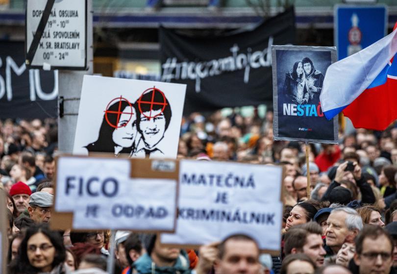 Хиляди словаци почетоха паметта на Ян Куциак. Преди година разследващият