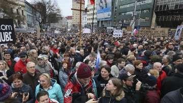 Хиляди словаци протестират срещу корупцията
