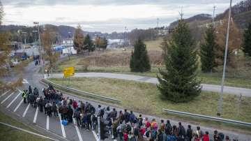 В Словения мобилизираха допълнително полицаи заради мигрантите