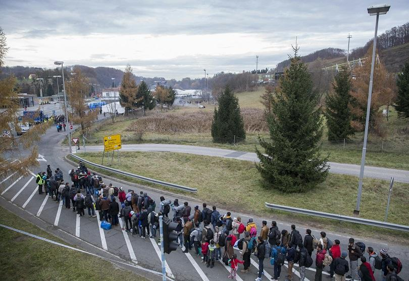 Снимка: В Словения мобилизираха допълнително полицаи заради мигрантите