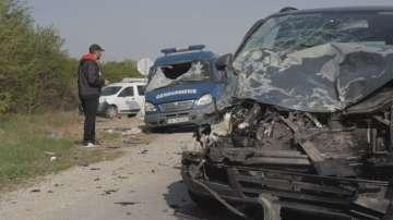 Бус на жандармерията предизвика катастрофа край Смядово
