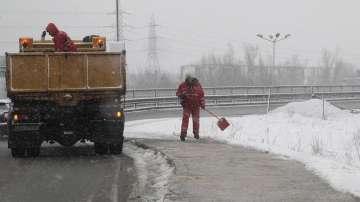 Снегорините влизат в малките улички на София