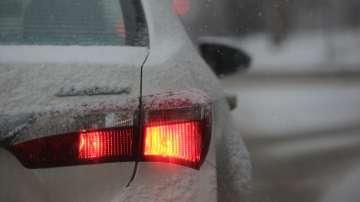Заради снега е ограничено движението за тирове през Котленски проход