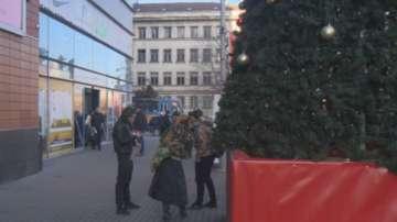 Охранител наръга младеж в столичен мол, опитал да краде дрехи