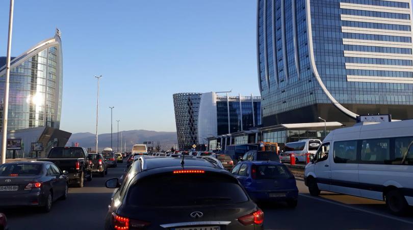 Снимка: Километрично задръстване заради протест на жители на Горубляне