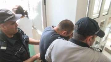 Оставиха в ареста бащата, който бутна от мост детето си