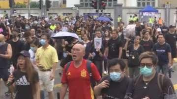 Хиляди учители се включиха в антиправителствените протести в Хонконг