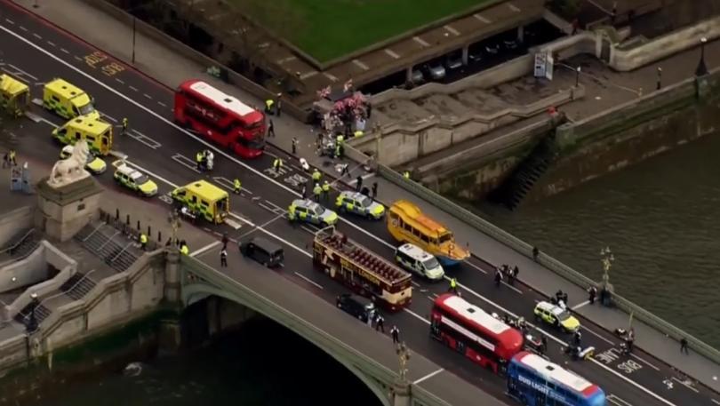 снимка 3 Стрелба пред британския парламент