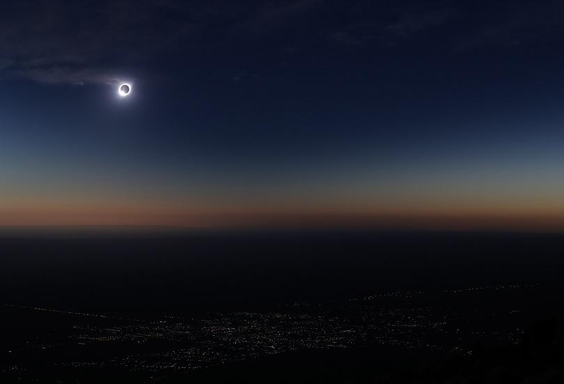 В Чили и Аржентина наблюдаваха пълно слънчево затъмнение