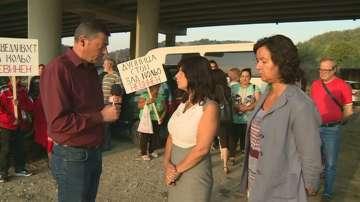 Протест на служители във фирмата за депониране, чието сметище горя под Струма