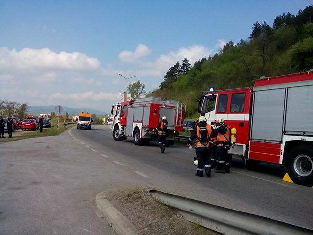снимка 2 Мащабно учение затвори за 4 часа главния път Е-79