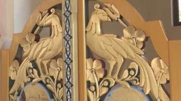 Дърворезбар дарява труда си за строежа на храм в Нови чифлик