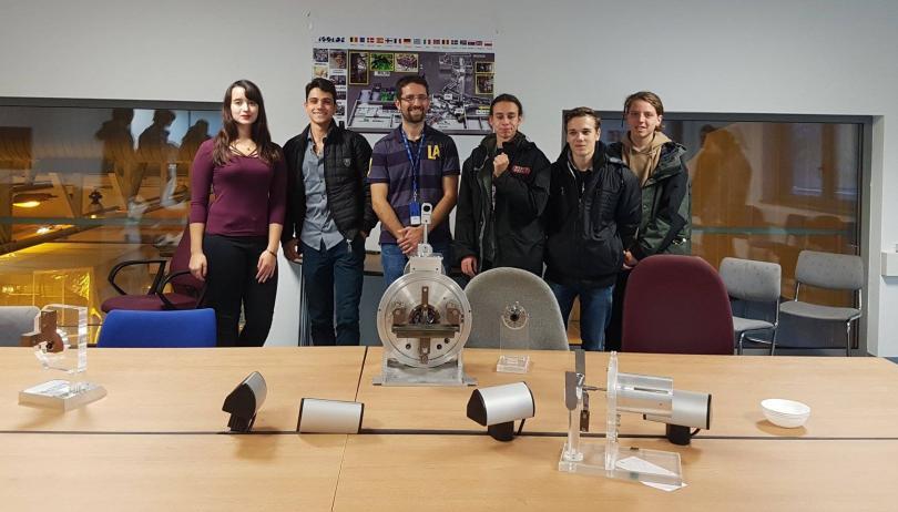 Снимка: Български ученици с голям успех в конкурс на НАСА за космически колонии