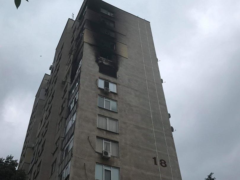 Човек загина при пожар в жилищен блок в Стара Загора.