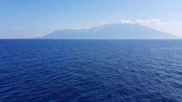 Гърция подсигури безплатна храна и нощувка на 1500 туристи на остров Самотраки