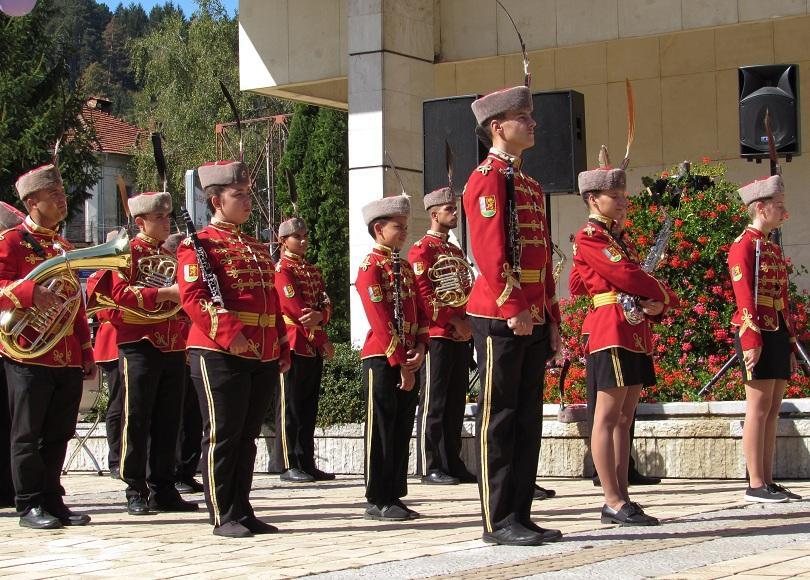 """""""Да живее свободна и независима България"""