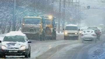 Сняг и поледици блокираха Североизточна България