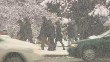 Няма затворени пътища и проблеми с движението заради снега