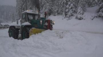 Обстановката в страната се нормализира след вчерашните обилни снеговалежи