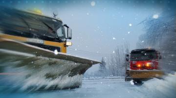 Коли и автобус са блокирани на пътя Чепеларе-Пампорово (СНИМКИ + ВИДЕО)