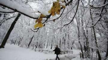 Сняг и поледици се очакват днес