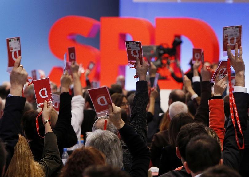Германските социалдемократи подкрепиха днес започването на официални преговори с консерваторите