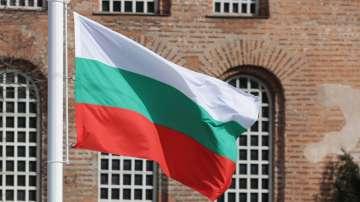 Издигнаха националното знаме пред Паметника на незнайния войн в София (ВИДЕО)
