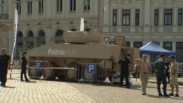 Бронирана модулна машина от Финландия показаха в София