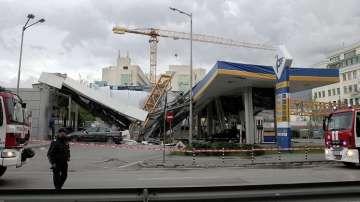 Човешка грешка е вероятната причина за падналия кран върху бензиностанция