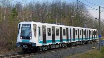 Йорданка Фандъкова показа първия от новите влакове за третата линия на метрото