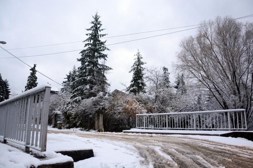 снимка 1 Заради снеговалежите в София улиците са обработени срещу заледяване