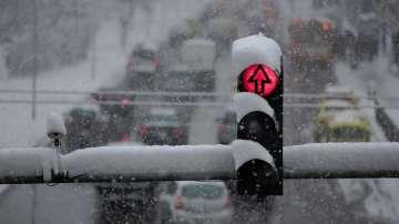 Близо 400 пътни инцидента до момента на територията на София