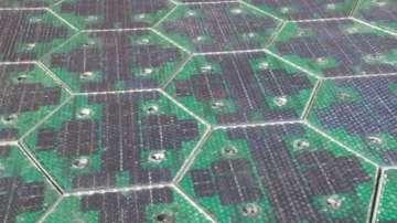Зелена светлина: Соларни пътища произвеждат енергия