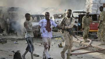 Най-малко 40 души загинаха при взрив на камион бомба в Сомалия