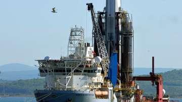 Първата сонда за нефт и газ пристигна в Бургас