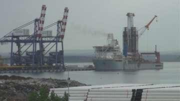Пристигна единият от корабите, които ще търсят нефт и природен газ в Черно море