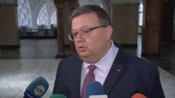 Цацаров: Ще се действа безкомпромисно към всеки, който наруши обществения ред