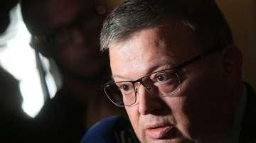 Цацаров поиска възобновяваване на делото за освобождаването на Полфрийман