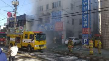 Не са ясни причините за пожара в болница в Южна Корея
