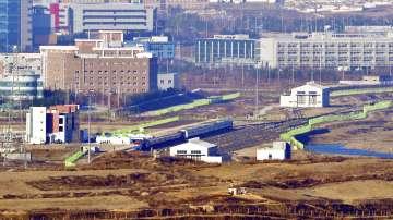 Между Северна и Южна Корея отново ще има жп връзка