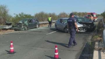 Катастрофа на пътя Созопол - Приморско: Ранени са петима, сред които 2 деца