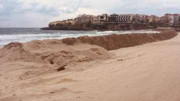 В Созопол настояват за премахването на пясъчната дига на централния плаж