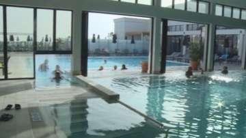 Летни курорти привличат туристи и през зимата
