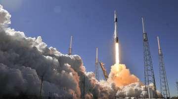 Спейс екс отложи за четвърти път изстрелване на ракета с военна навигация